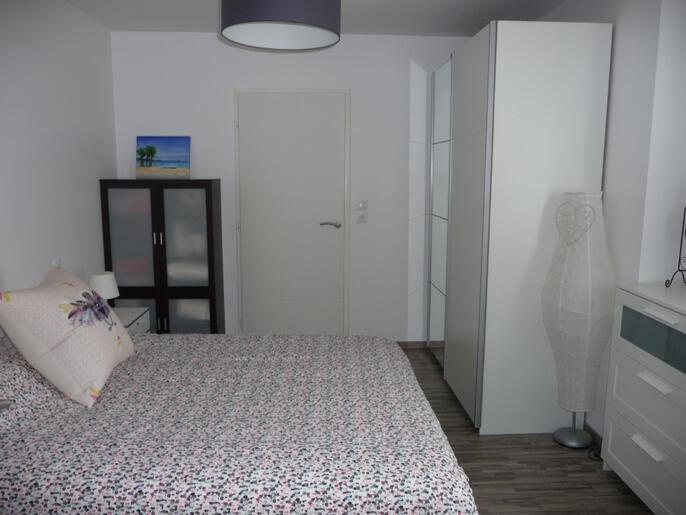appartement-a-louer-dinard-13996279_5_1566314283_48f2ec8998ce615ef8e50bdb79bbb45c_crop_686-515_