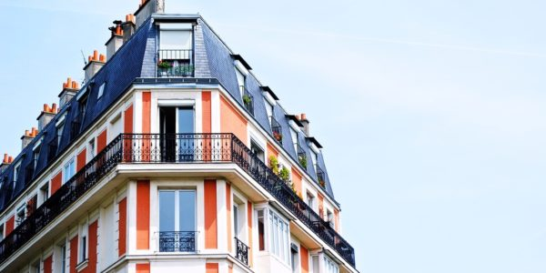 Avantages et inconvénients de passer par une agence immobilière