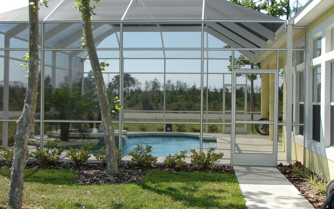 Abri piscine : La solution pour profiter de votre extérieur toute l'année