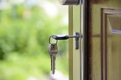 ouverture maison avec un clé