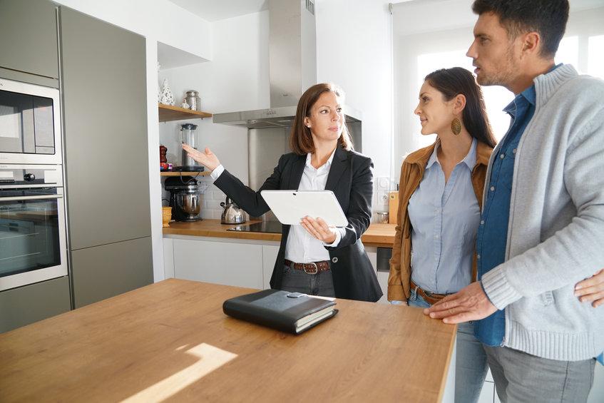 Reconversion professionnelle: pourquoi choisir le secteur de l'immobilier